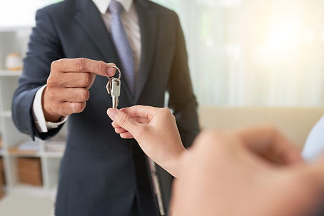 broker-giving-keys.jpg