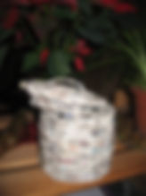 pot avec couvercle en vannerie papier