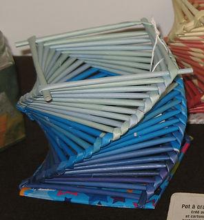 pot à crayon 3 - dégradé bleu.JPG