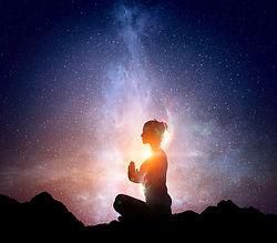 宇宙とつながる女性.jpg