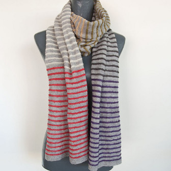 PIN STRIPE SCARF