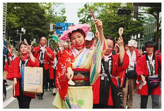 日本最大級の動員力を誇る博多どんたくは3日開幕!花自動車は2日から
