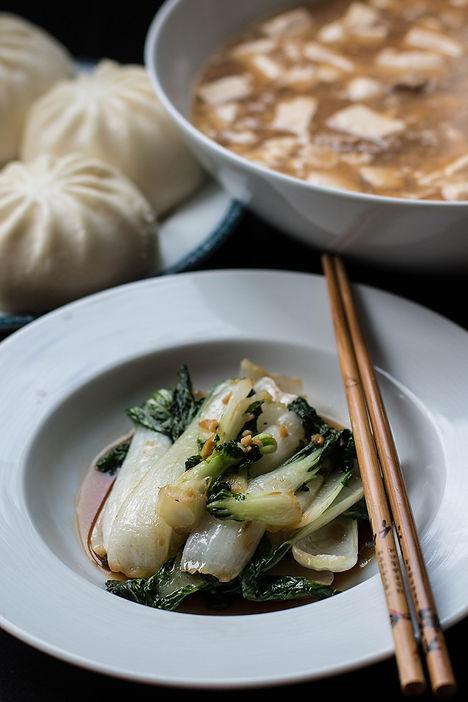 Légumes sautés, mapo tofu et brioche