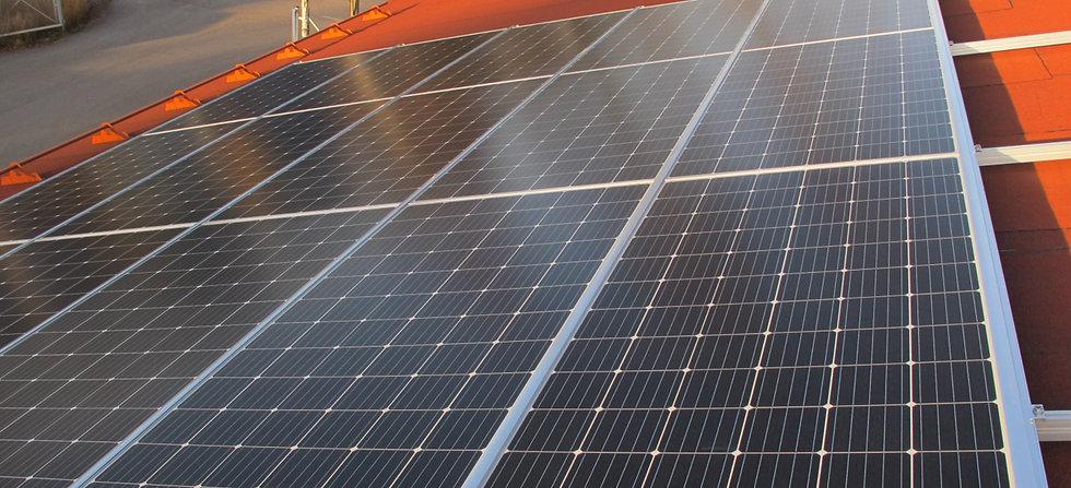 Aurinkopaneelit huopakattoon