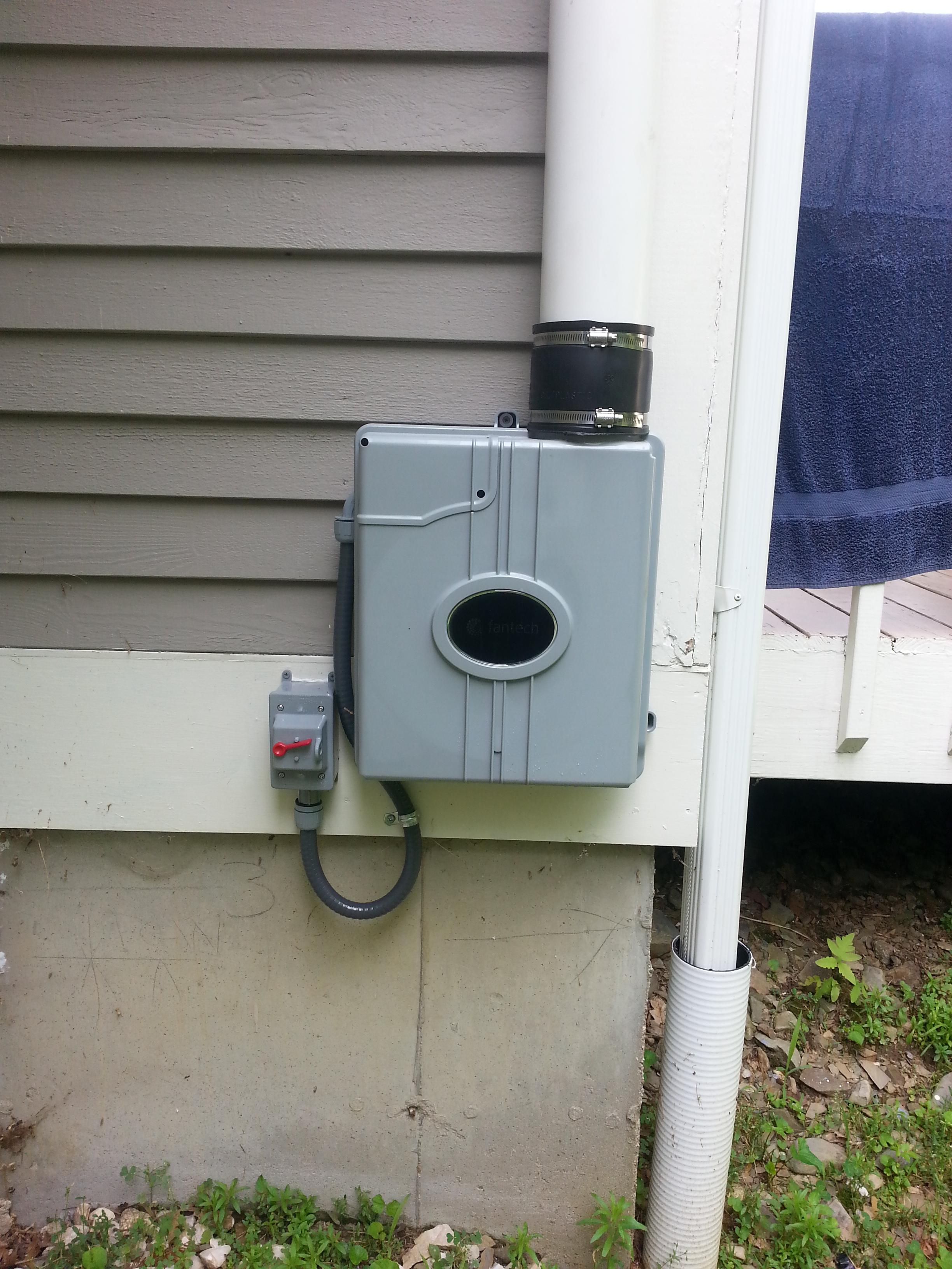 Low profile radon fan