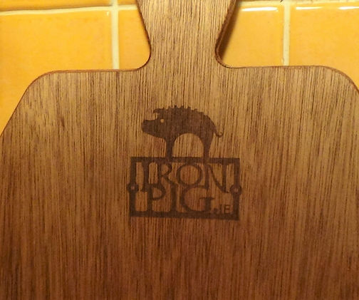 iron pig pizza wooden paddle