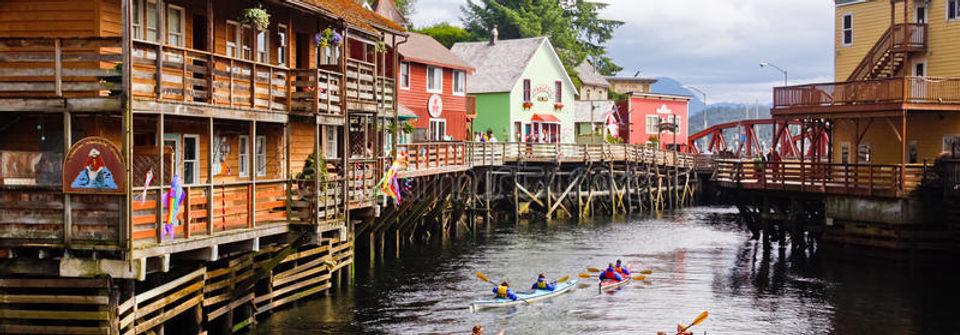 alaska-kayaking-creek-street-29000070.jp