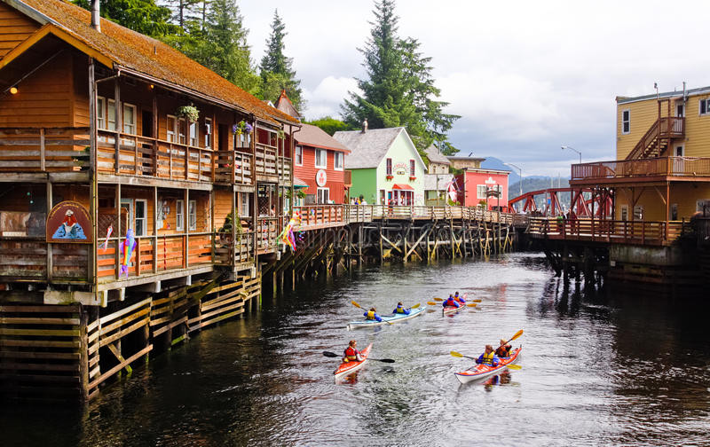 Group of people kyacking in Ketchikan Alaska