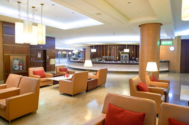 Aiport lounge and amenities