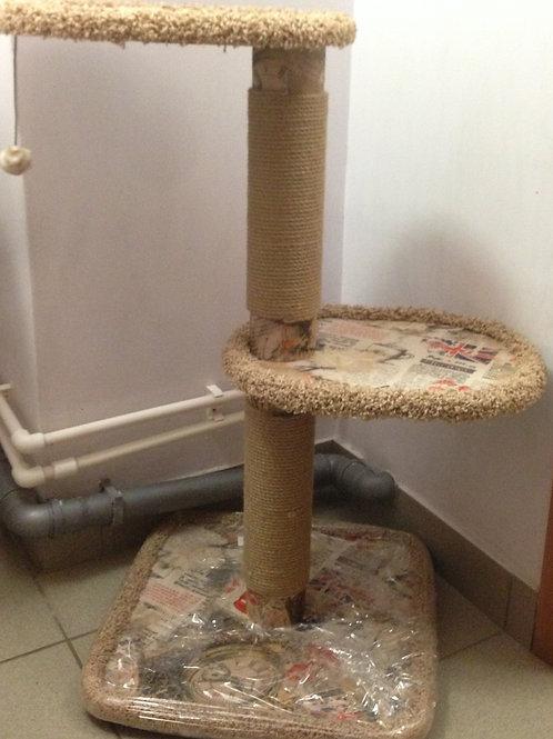 Когтеточка для кошек, две полки 90 см.