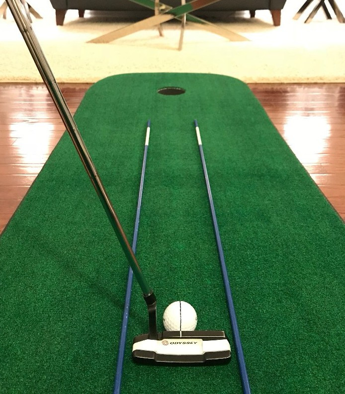 Indoor Putting Mat with Alignment Sticks Drill