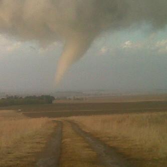 Tornado (j)