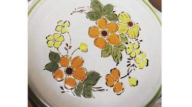 Retro Floral Stoneware Plates