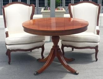 Round Wood Sweetheart Table