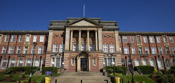 www.leedsbeckett.ac.uk