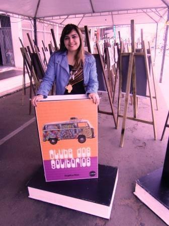 Angélica Rizzi participa da 13ª Feira do Livro de Travesseiro nesta quinta e sexta-feira 25 e 26 de