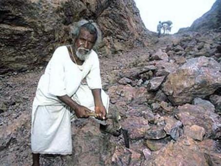 « Celui qui déplace la montagne, c'est celui qui commence à enlever les petites pierres. » (Confuciu