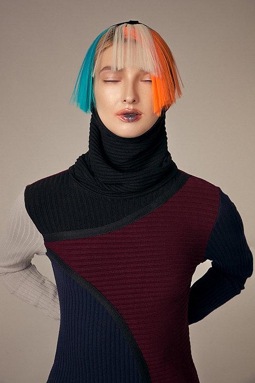 Платье ассиметричное с капюшоном