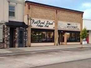 Railroad Street Antiques storefront.jpg