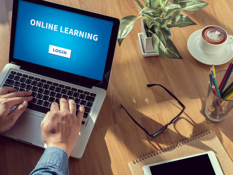 Classroom-based vs Online Training: Which is Better for your Employees?