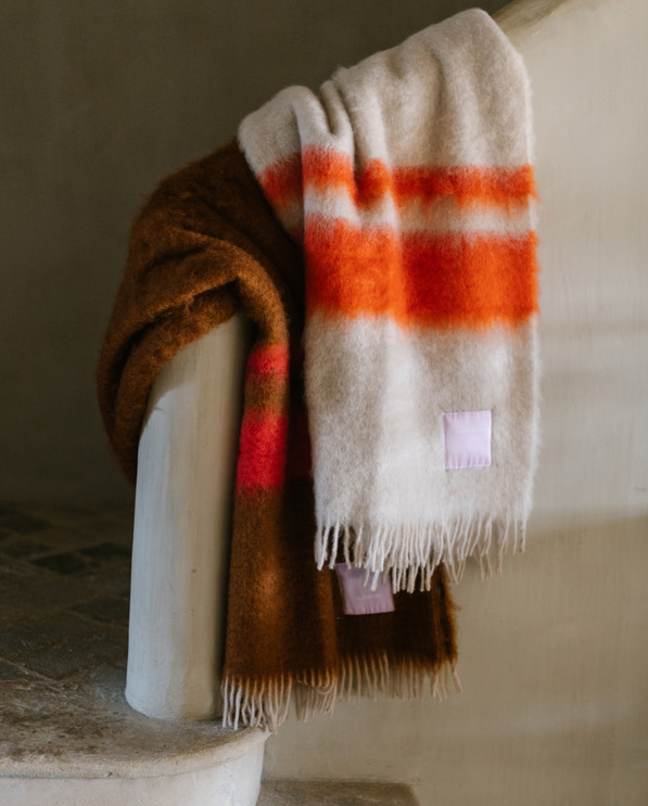 Geniune Blankets x Curatedby
