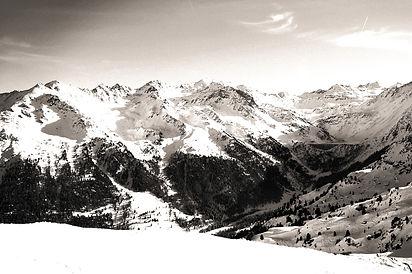 Montagnes_edited.jpg