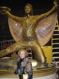 Linda Deutsch Elvis 8