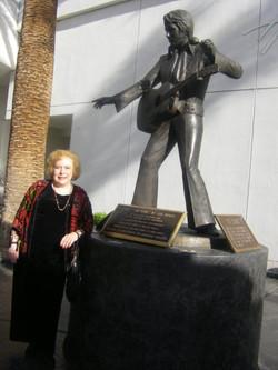 Linda Deutsch Elvis 6