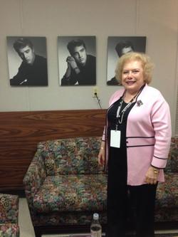 Linda Deutsch Elvis 18