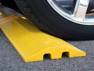 What's the Difference Between Speed Bumps and Speed Humps