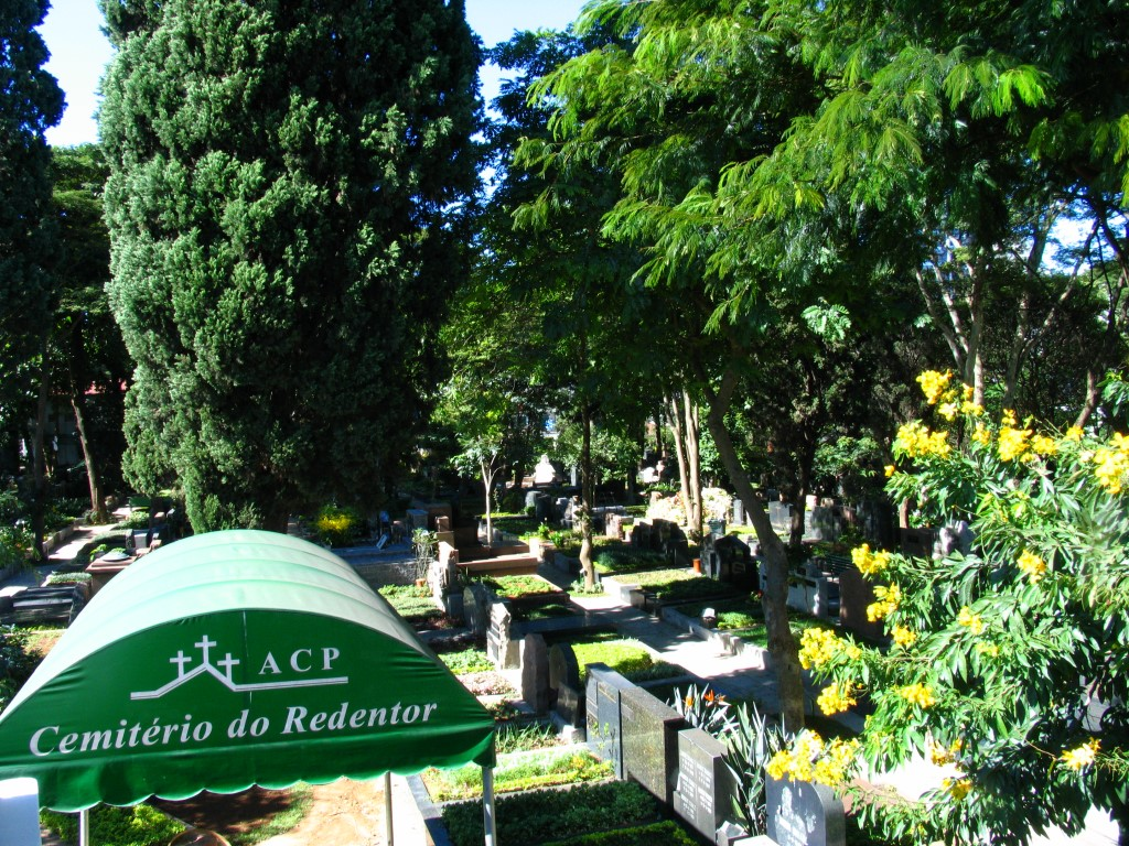 Cemitério-do-Redentor(10)