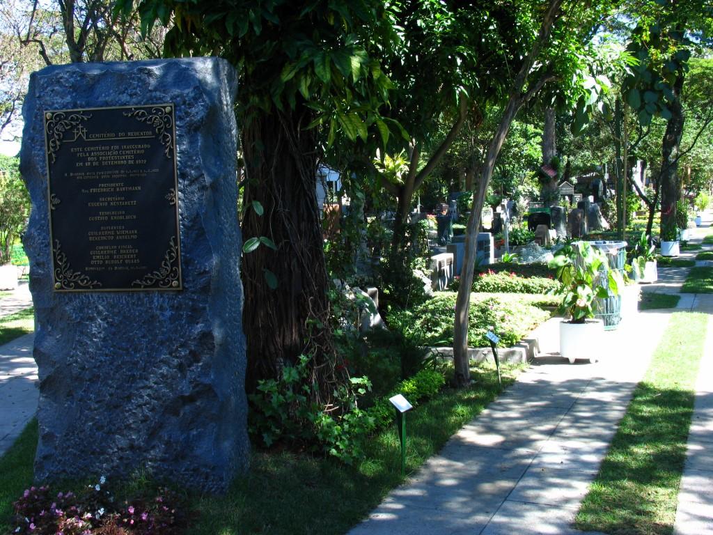 Cemitério-do-Redentor(4)