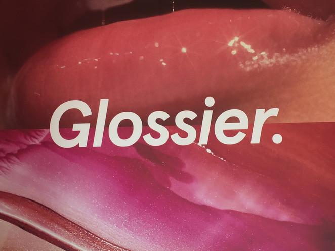 Visitando Glossier Pop-Up store