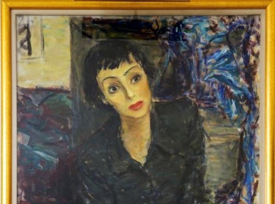 Louise Rainer, Paris, 1949