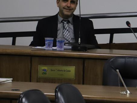 Saulo Dentista dá versão dos vereadores no caso das cestas básicas dos bolsistas