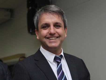 Saulo Dentista vota contra  empréstimo de US$ 30 milhões
