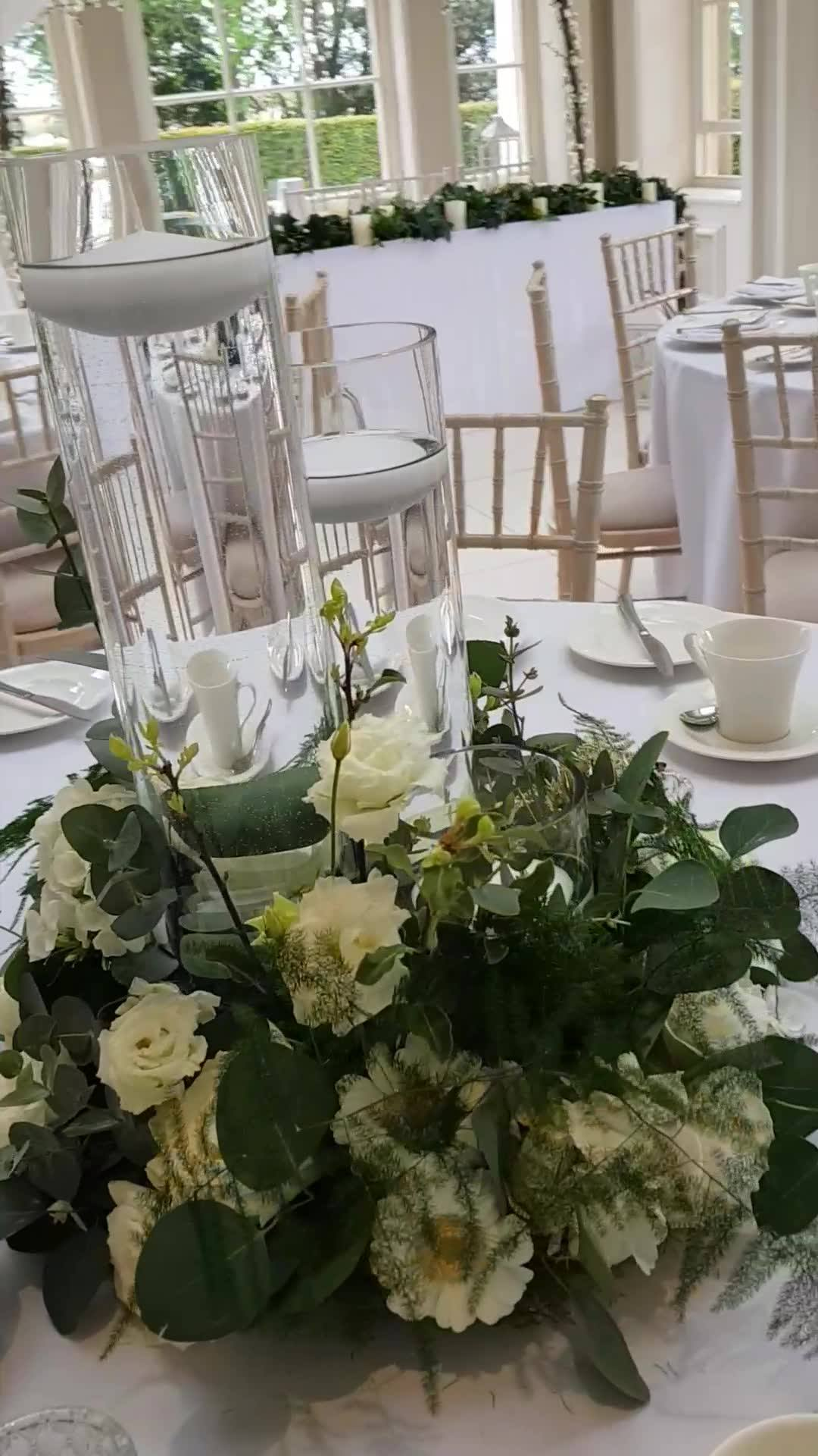 The beautiful wedding breakfast room at Saltmarshe Hall for Rachel & Kyle's wedding yesterday ... Hope you had a Wonderful day May the love and happiness you feel today shine through the years.  💋🌸❤️