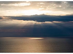 Golden_horizon_small.jpg