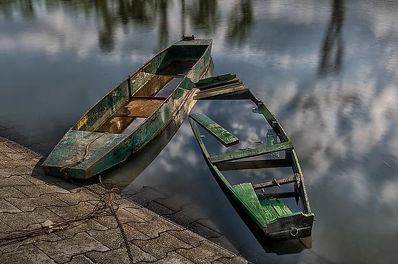 Čamci u vodi