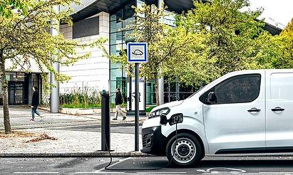 electric van fleet management (1) (1).jp