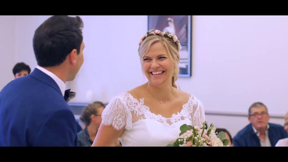 sourire-mariée-mairie