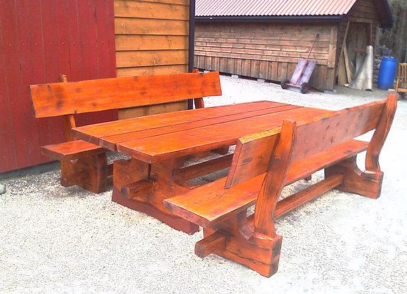 Benkar og bord