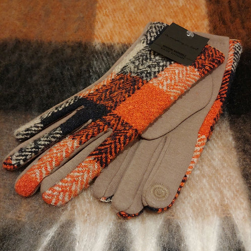 Touch-screen Buffalo Plaid Glove