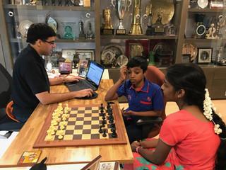 Consejos de un genio del ajedrez a otro de 12 años