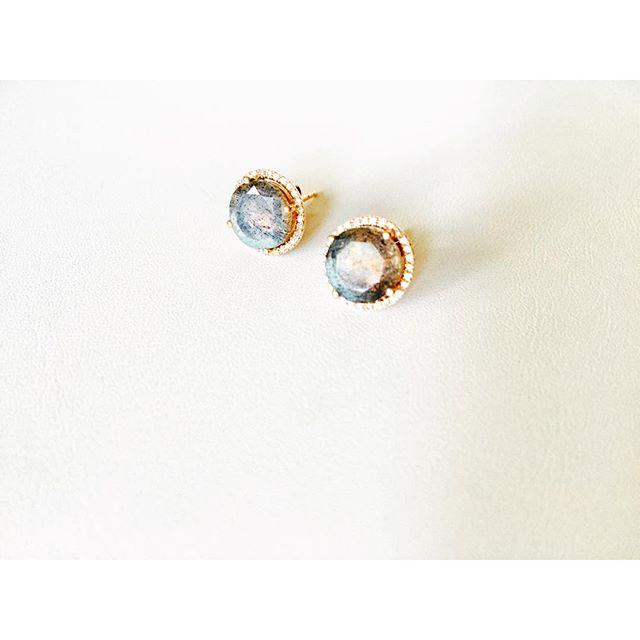 Labradorite & diamonds makes us 😀