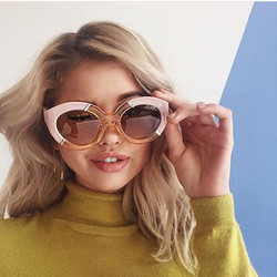 How adorable is _debbyryan in our earrings for a _darling shoot! Thanks to the talented _chrishoran2