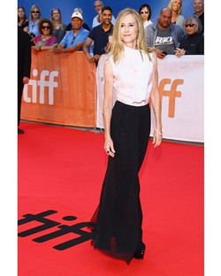 We feel so lucky! The amazing Holly Hunter wearing #RandallScott again! Thrilled! Thank you _iconhou