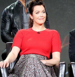Bellamy Young in Randall Scott Double Circle Earrings styled by _kylekagamida. #lovelyasalways #Rand
