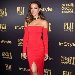 Kate Beckinsale in Randall Scott special order wide gold choker last night styled by _taylorjacobson