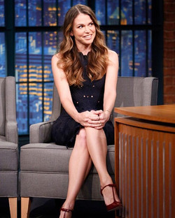 Our #wcw goes to gorge & talented #SuttonFoster wearing #RandallScott last week on _latenightseth st